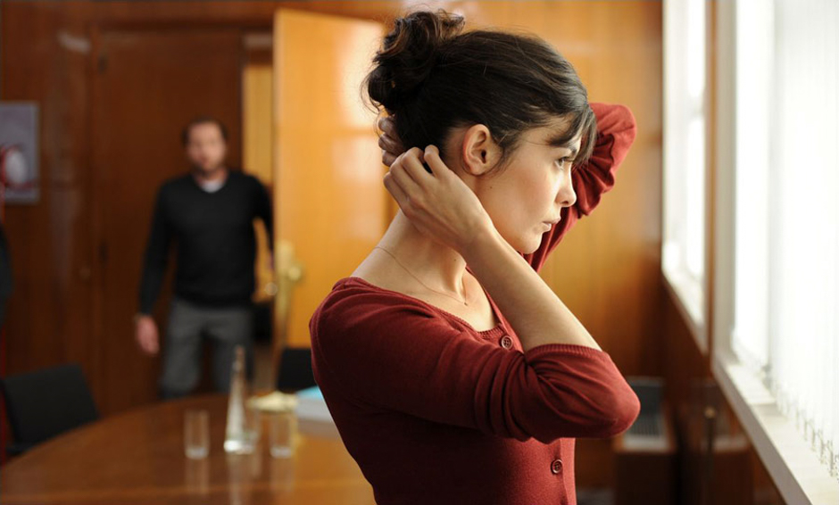 http://www.filmweb.pl/film/Delikatno%C5%9B%C4%87-2011-616092/photos/305003