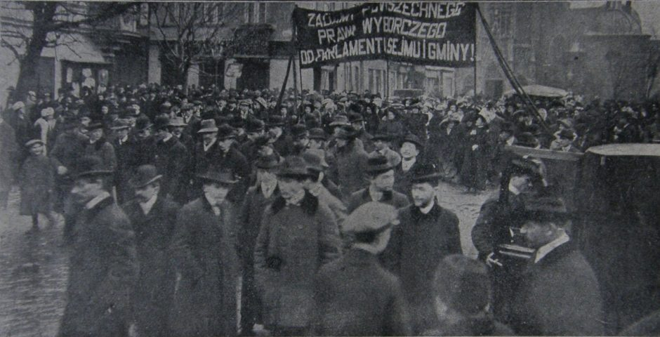 Krakowskie sufrażystki manifestują w Dniu Kobiet w 1911